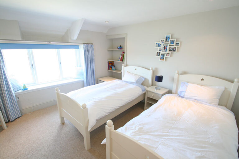four-ashes-twin-bedroom-924 (1)